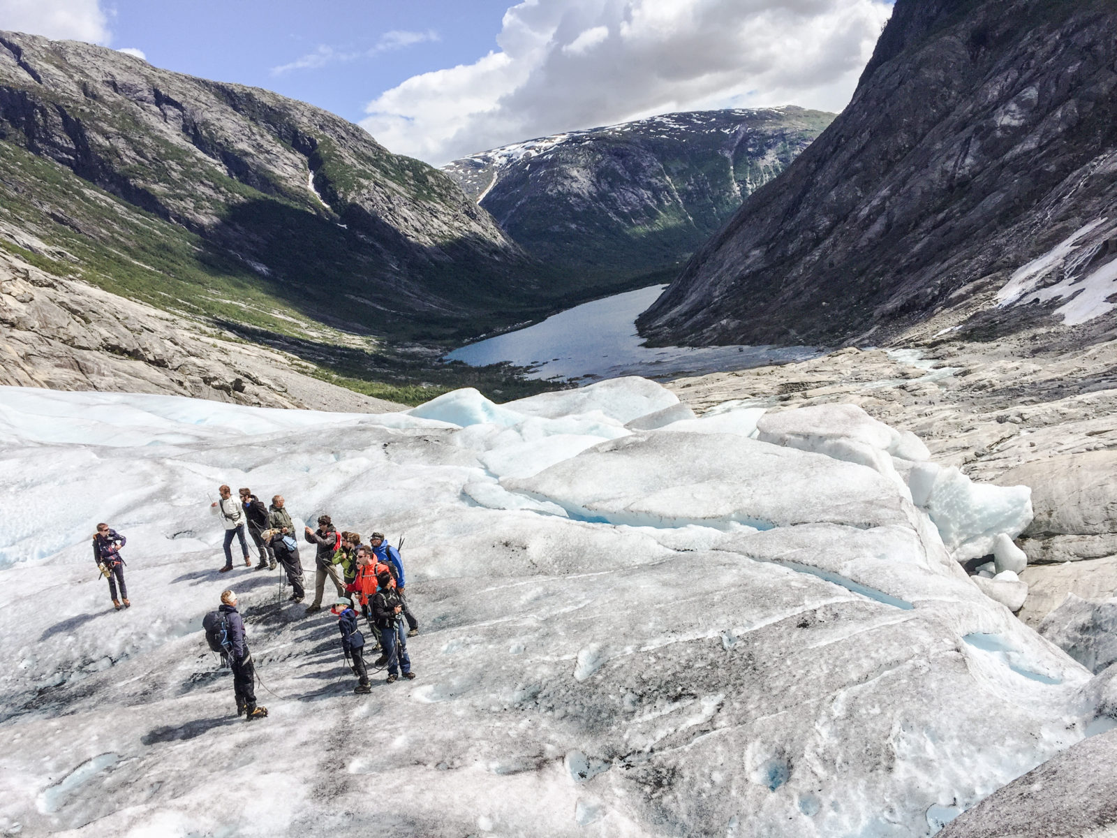 Glacier guiding Nigardsbreen: Short Blue Ice Hike