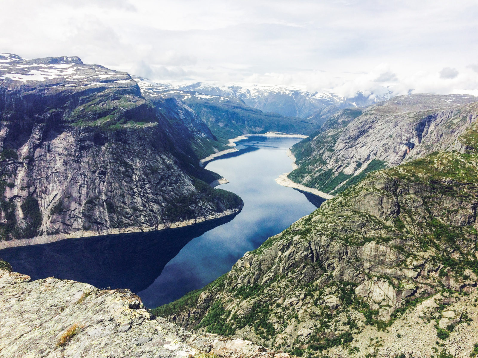 Hiking Trolltunga